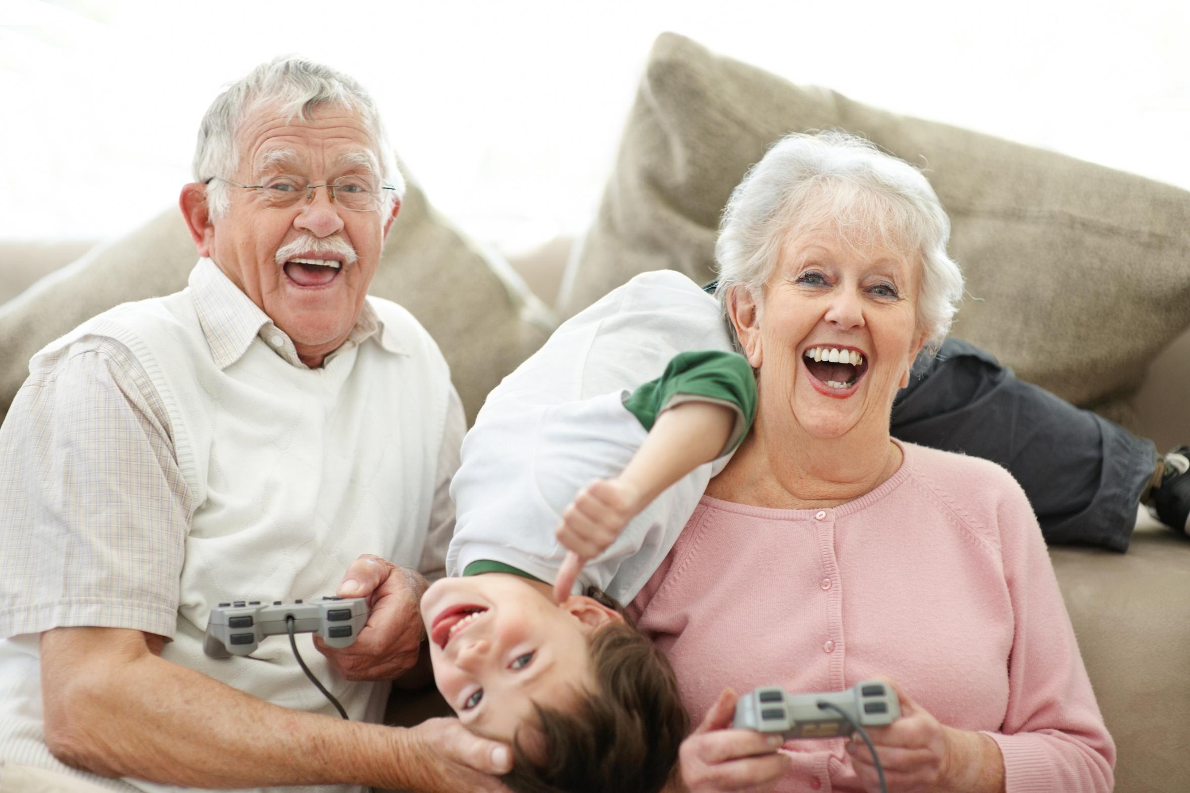 Дед и внучка порно видео онлайн