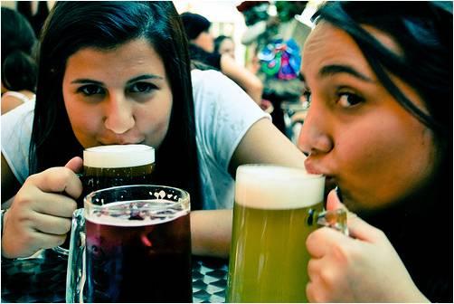 Una cervecita fresquita para acompañar unas ricas tapas