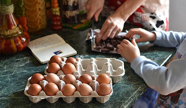 niños-cocina-condis