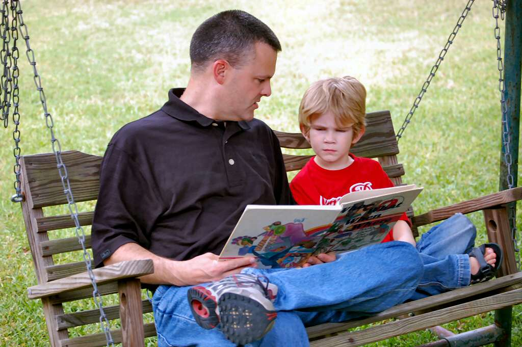 daddy-reading-1432159