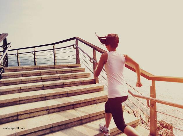 escaleras-deporte-rutina-ejercicio_PERIMA20150826_0001_5