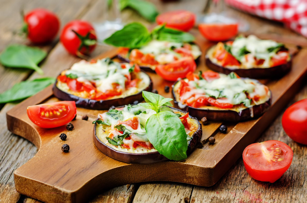 pizza eggplant with tomatoes and Basil