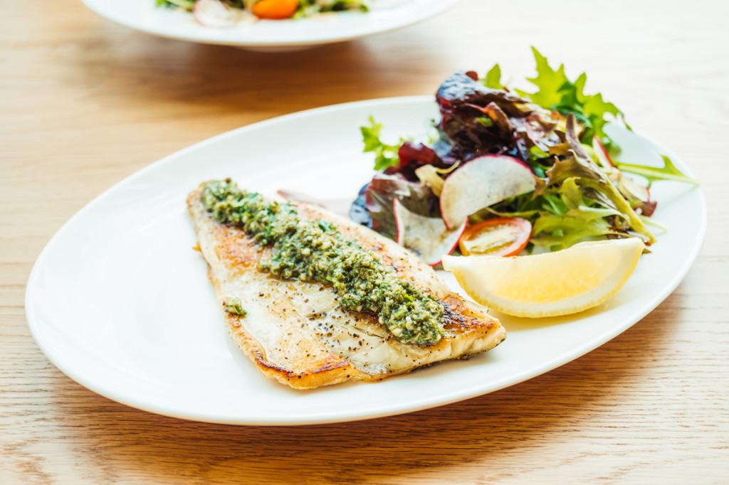 pescado blanco fresco a la plancha mejora la salud